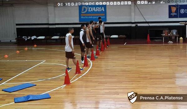 entrena basquet